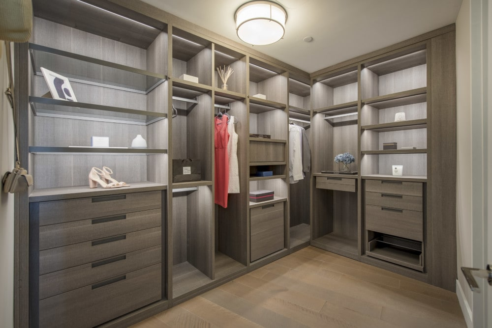Tips for Staging Your Closets