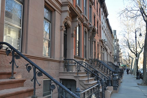 4 Things to Consider When Choosing a Neighborhood