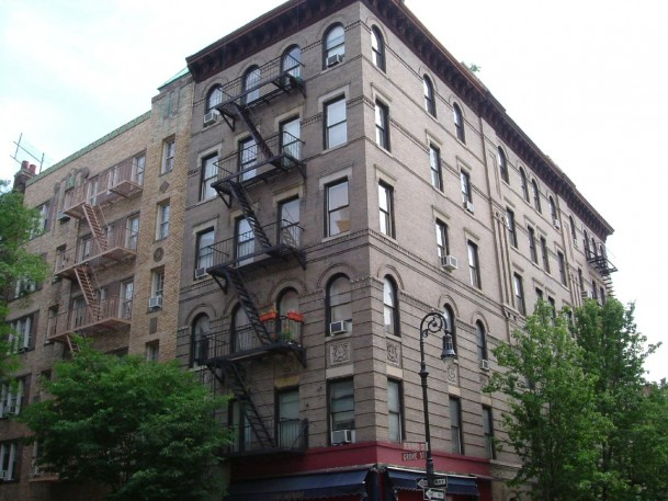 Manhattan vs. Brooklyn: Who is Winning the Real Estate Battle?